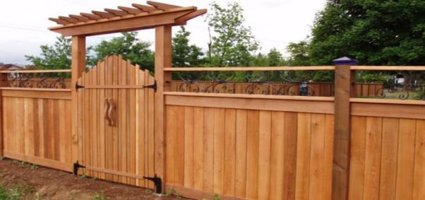 Fence contractors in Canada
